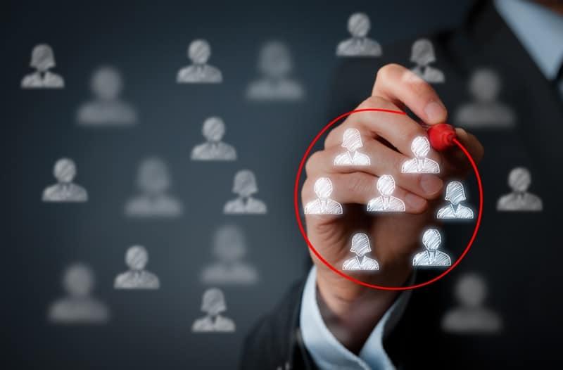 了解目标客户和市场